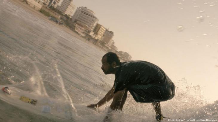 "Filmszene aus ""Gaza Surf Club"", Foto: Little Bridge Pictures/Niclas Reed Middleton"