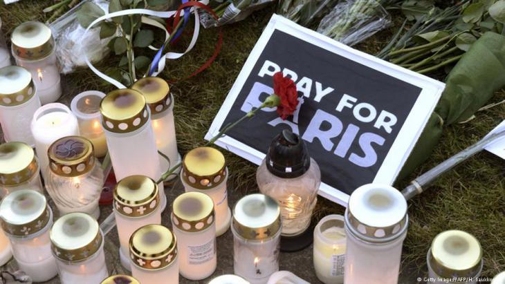 Trauer um die Opfer der Anschläge von Paris vom 13. November 2015; Foto: Getty Images/AFP