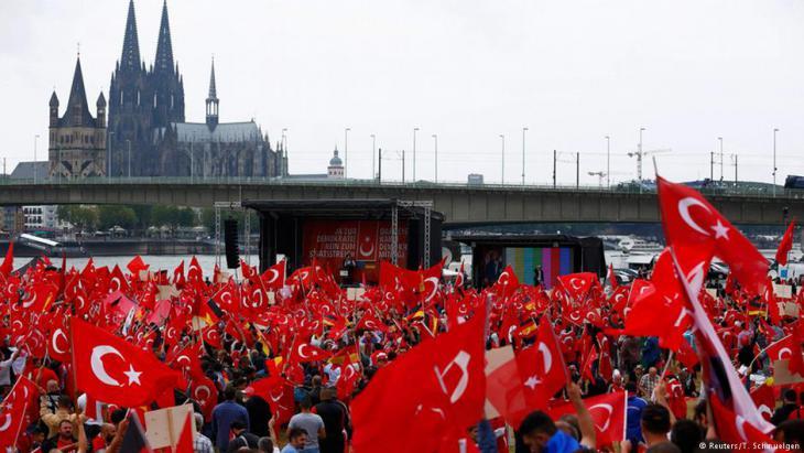 Pro-Erdoğan-Demonstration in Köln am 31. Juli 2016; Foto: Reuters/ Thilo Schmuelgen