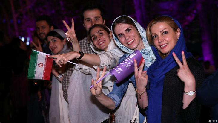 Iraner feiern Wahlsieg Rohanis in Teheran; Quelle: IRNA