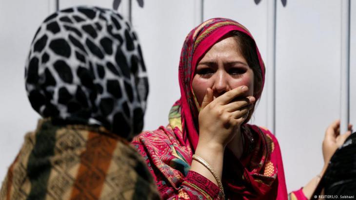 Entsetzen und Misstrauen: afghanische Zivilisten haben viele Feinde. Vor allem der öffentliche Raum für Frauen schwindet. Foto: Reuters