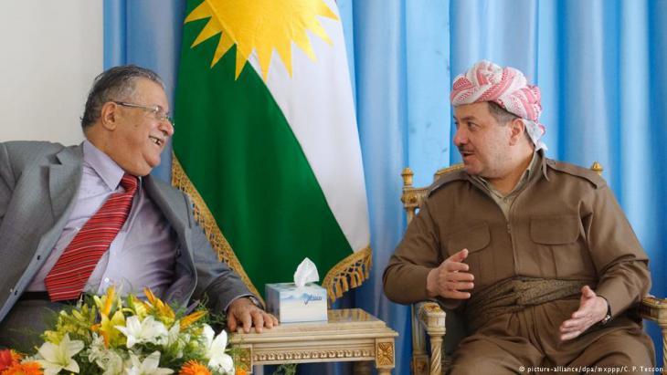 Iraks Präsident Jalal Talabani trifft Kurdenpräsident Masoud Barzani in Dokan, August 2009 Foto: picture-alliance/dpa/mxppp/C. P. Tesson