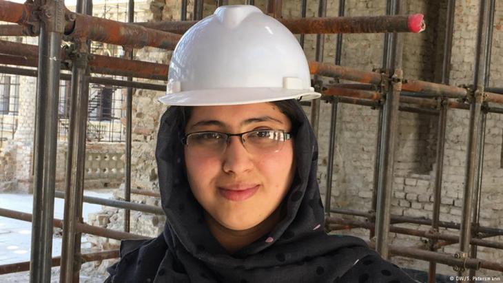 Von der Uni direkt an die Baustelle des Darul Aman-Palastes. Foto: DW/S.Petersmann