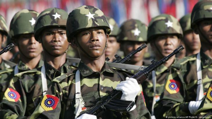 Einheiten der Armee Myanmars; Foto: AP/picture-alliance