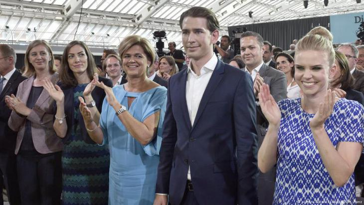 Sebastian Kurz auf dem Parteitag der ÖVP in Linz; Foto: picture-alliance/dpa