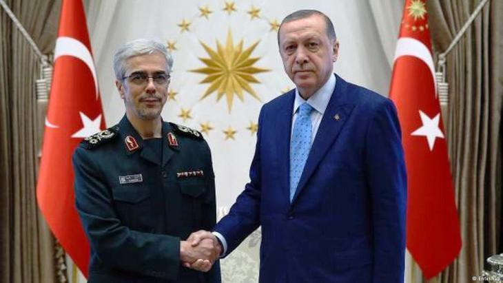 President of Turkey Recep Tayyip Erdogan shakes hands with Mohammad-Hossein Bagheri, Iran's chief-of-staff, at a meeting in Turkey, August 2017 (photo: Entekhab)