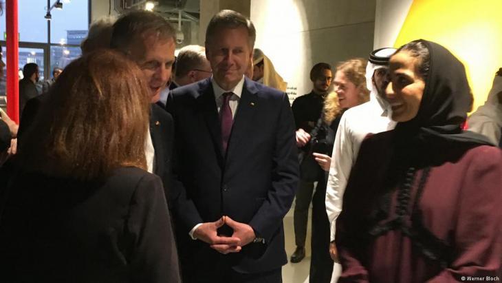 Auch Ex-Bundespräsident Christian Wulff (Bildmitte) gehörte zur deutschen Delegation. Rechts im Bild: Sheika Mayassa.Foto: Werner Bloch