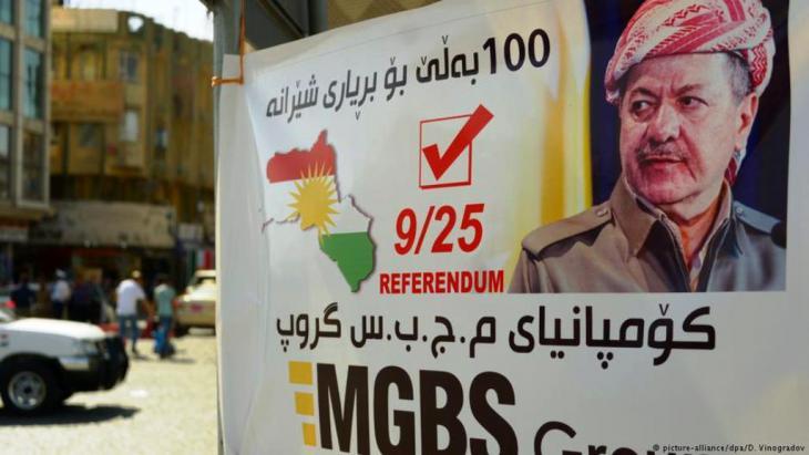 Mit dem Porträt von Kurdenführer Masud Barzani wurde im Nordirak für das Referendum geworben. Foto: Picture alliance /DPA