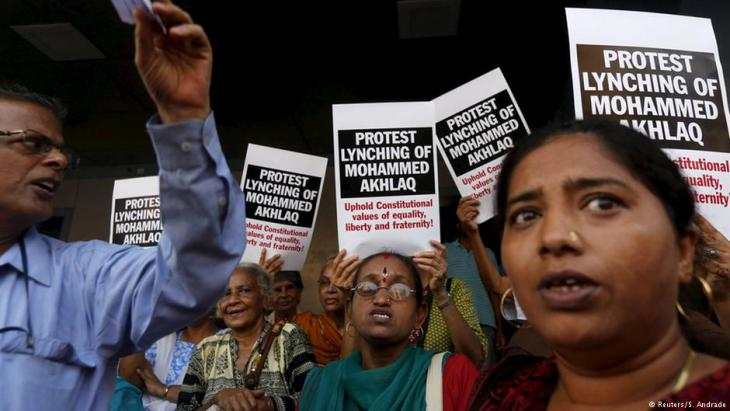 Proteste gegen die Ermordung von Mohammed Akhlaq in Mumbai; Foto: Reuters/Shailesh Andrade