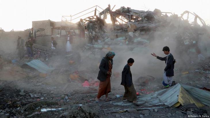 Zerstörungen im jeminitischen Saada nach einem Luftangriff der saudischen Militärallianz; Foto: Reuters/N. Rahma