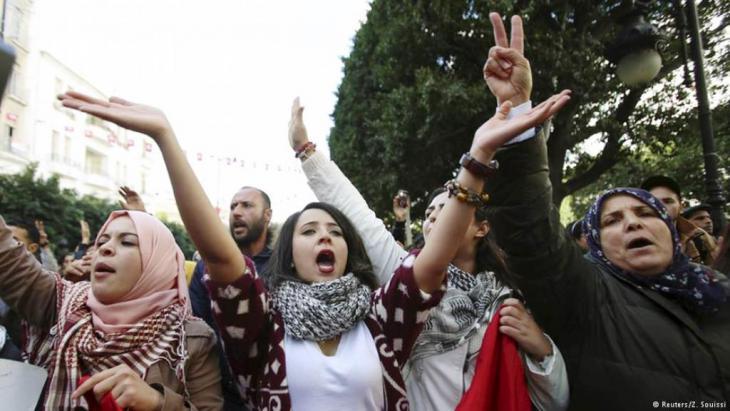 Proteste in Tunesien gegen den Diktator Ben Ali im Jahr 2010; Foto: Reuters