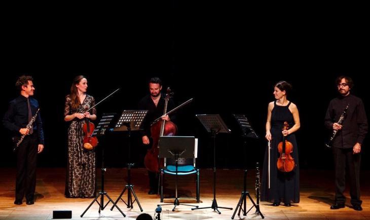Die Musiker auf dem Chios Music Festival 2017 (von links nach rechts): Demetrios Karamintzas, Olga Holdorff-Myriangou, Martin Smith, Leila Weber, Spyros Tzekos; Foto: Stamatis Menis