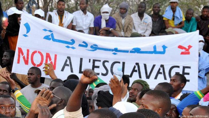 Proteste der Haratin gegen die Sklaverei in Nouakchott, Mauretanien; Foto: Getty Images/AFP