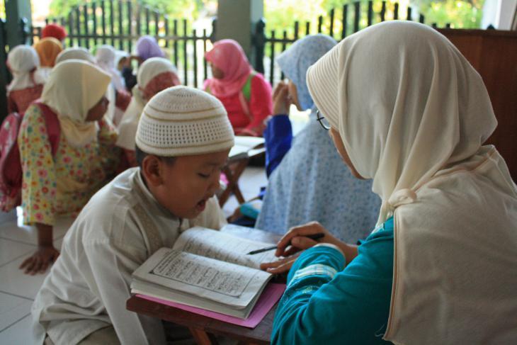 Unterricht am indonesischen Al-Muhtadin Koranic Education Centre; Quelle: tpamuhtadin.wordpress.com