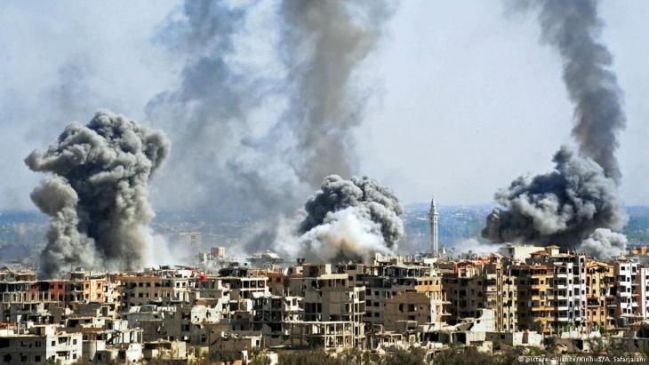 Bombardements von Duma im April 2018; Foto: picture-alliance/Xinhua