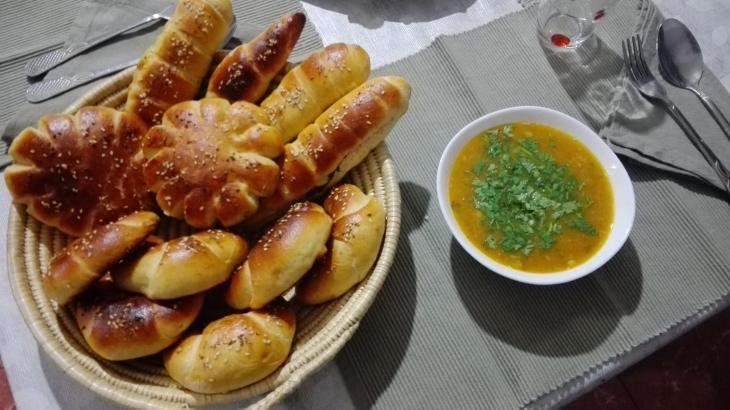 Algerisches Frühstück; Quelle: Facebook/Drifa Mezenner