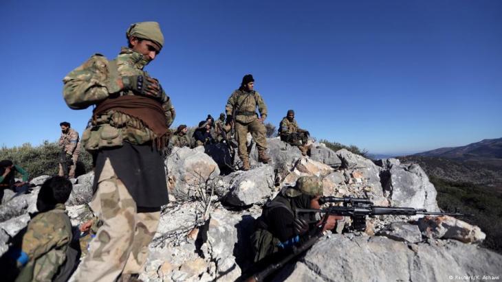"""Einheiten der """"Freien Syrischen Armee"""" nahe Afrin; Foto: Reuters/K. Ashawi"""