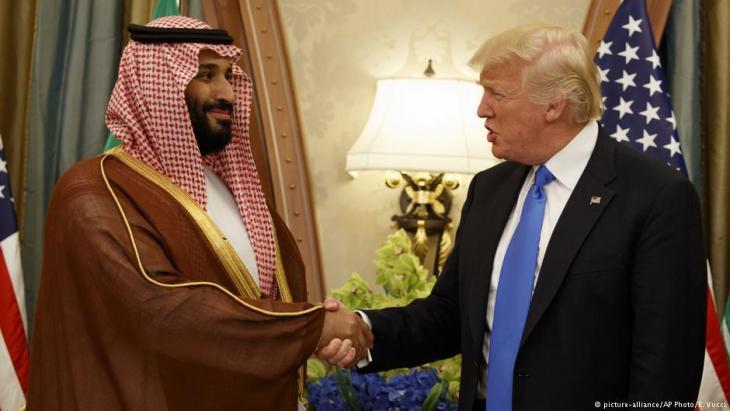 US-Präsident Trump zu Besuch beim saudischen Kronprinzen Mohammed bin Salman in Riad am 20. Mai 2017; Foto: picture-alliance/AP