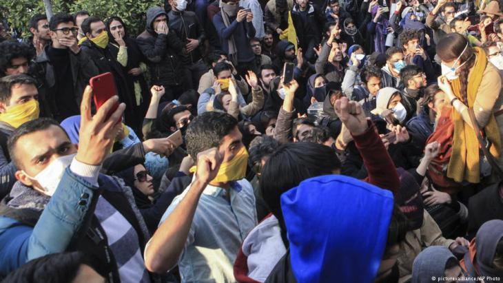 Proteste gegen Khamenei und die politische Führung in Teheran; Foto: picture-alliance