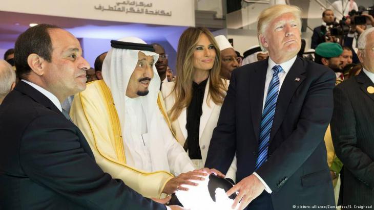 Abdel Fattah al-Sisi, König Salman von Saudi-Arabien, Melania und Donald Trump; Foto: picture-alliance/Zumapress/S. Craighead