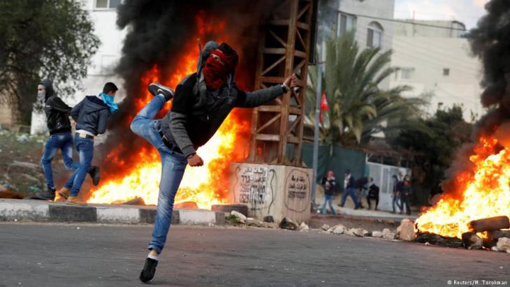 Proteste palästinensischer Jugendlicher nach der Anerkennung Jerusalems als Hauptstadt Israels durch die USA; Foto: Reuters
