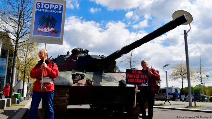 Demo gegen deutsche Waffenexporte an Erdogan; Foto: AFP/Getty Images
