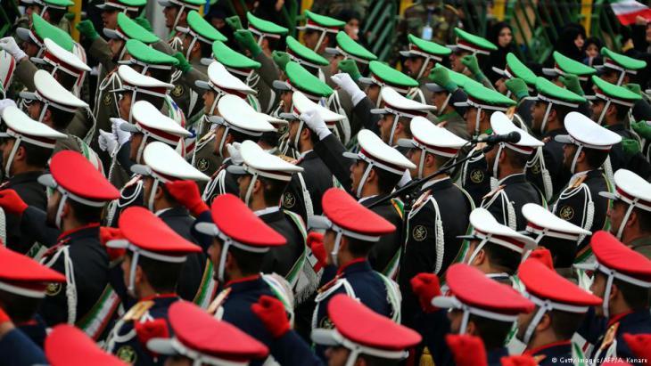 Offiziere während der Vorbereitungen zum 39. Jahrestag der Islamischen Revolution in Teheran; Foto: Getty Images/AFP
