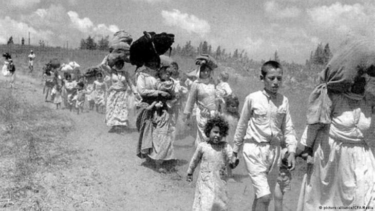 Palästinenser auf der Flucht vor den israelischen Streitkräften 1948. Quelle: picture-alliance/CPA Media