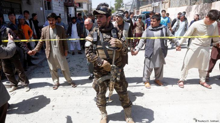 Anschlag vom April mit über 50 Toten im schiitischen Teil Kabuls auf ein Lokal zur Wählerregistrierung; Foto: Reuters