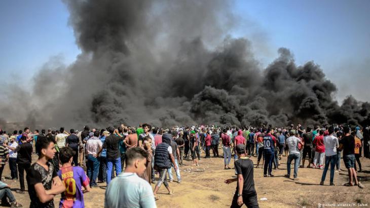 Erneute Proteste an der Grenze des Gaza-Streifens am 8. Juni 2018; Foto: picture-alliance/H.Salem