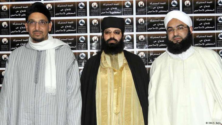 Marokkos salafistische Anführer Hassan Kettani (l.), Omar Hadouchi und Abou Hafs; Foto: DW