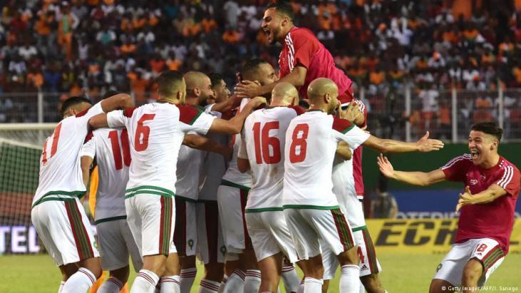 Jubelnde Spieler Marokkos beim Spiel in Abidjan gegen die Elfenbeinküste. Foto: Getty Images/AFP Foto: