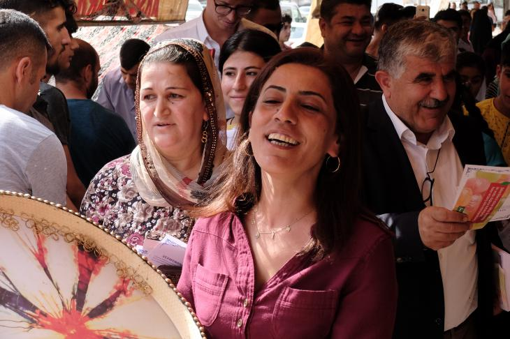 HDP-Kandidatin Nuran Imir in Cizre; Foto: Ulrich von Schwerin