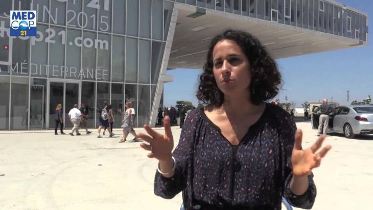 """Soraya El-Kahlaoui, Mitglied des Solidaritätskomitees für die """"Hirak""""-Gefangenen; Quelle: YouTube"""