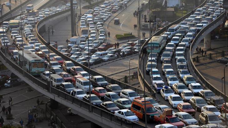 Staus an den Zufahrtsstraßen zum zentralen Tahrirplatz in Kairo; Foto: AFP/Getty Images/Khaled Desouki