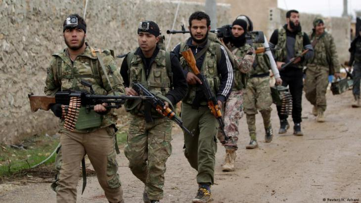 Rebellen im syrischen Al-Bab; Foto: Reuters