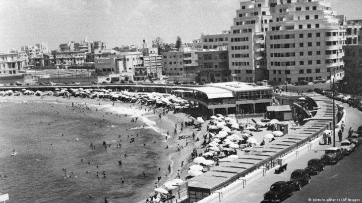 Gylmenopoulo Beach in Alexandria, Ägypten, 1960 Foto picture alliance ap images