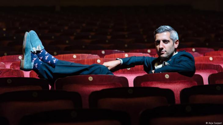 Fernsehmoderator, Journalist und Performancekünstler Michel Abdollahi; Foto: Asja Caspari