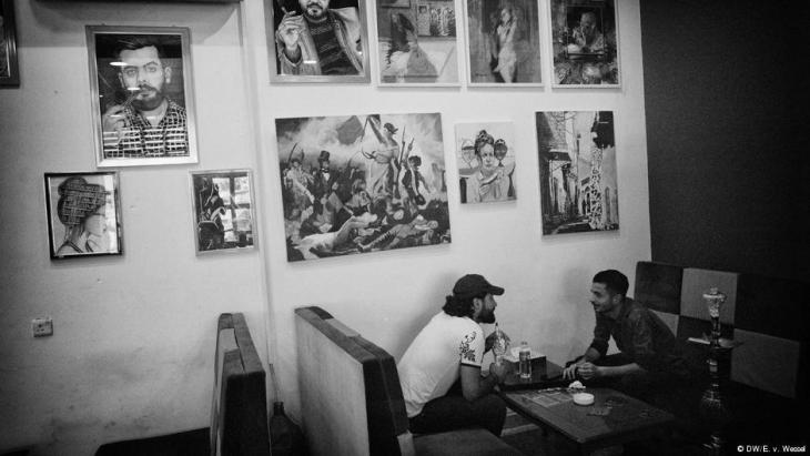 Fahad Sabahs und Harith Yassins Bücher-Café in Mossul; Foto: DW/E v. Wessel