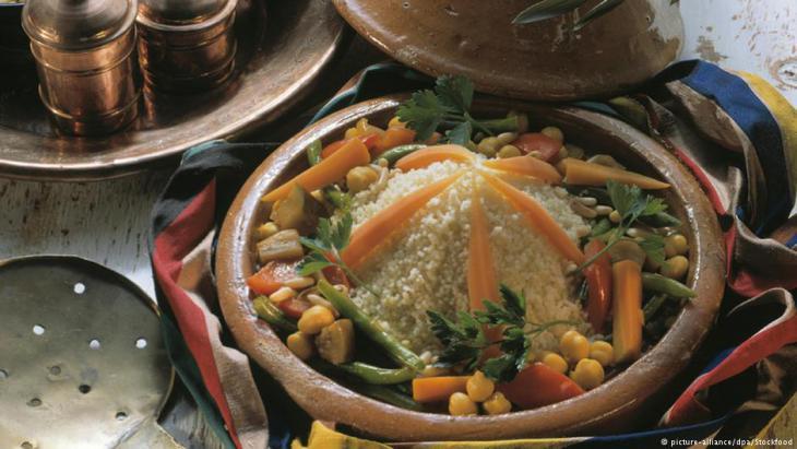 Couscous-Gericht aus Marokko; Foto: picture-alliance/dpa