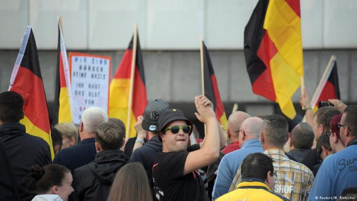 """""""Pro Chemnitz""""-Demonstration in der Innenstadt von Chemnitz; Foto: Reuters/M. Rietschel"""