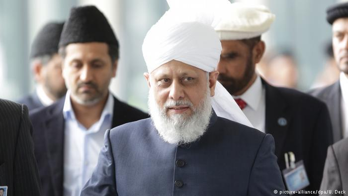 Hadhrat Mirza Masroor Ahmad, der fünfte Kalif der Muslime und Oberhaupt der weltweiten Muslimvereinigung Ahmadiyya Muslim Jamaat; Foto: dpa/picture-alliance