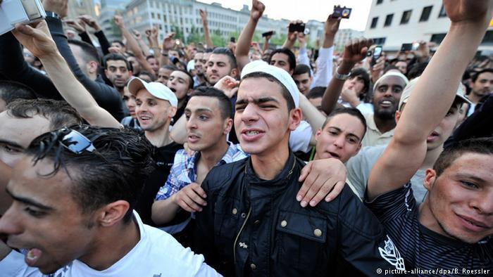 Salafisten-Kundgebung in Deutschland; Foto: picture-alliance/dpa/B. Roessler