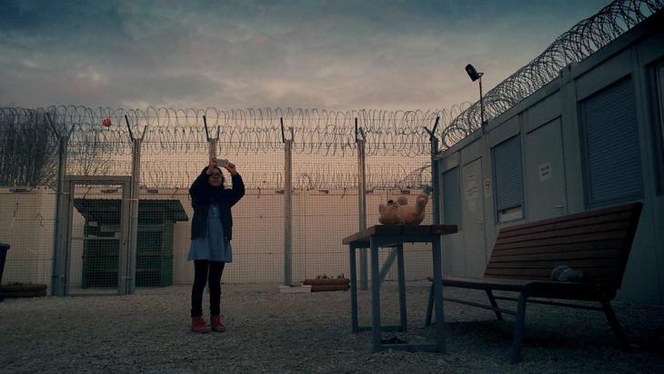 "Filmszene aus ""Midnight Traveler"" von Hassan Fazili; Quelle: moviepilot.de"