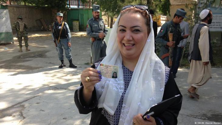 Shukria Barakzai, Parlamentarierin und Frauenrechtlerin; Foto: DW/W. Hasrat-Nazimi