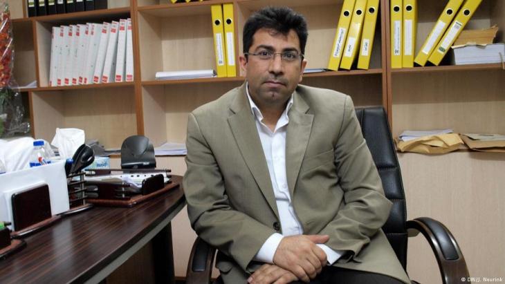 Der jesidische Menschenrechtler Mirza Dinnayi; Foto: DW