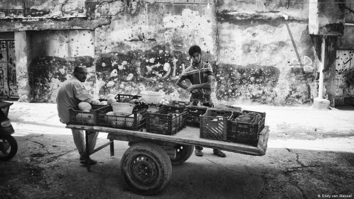 Straßenverkäufer im jüdischen Viertel von Mossul; Foto: Eddy van Wessel
