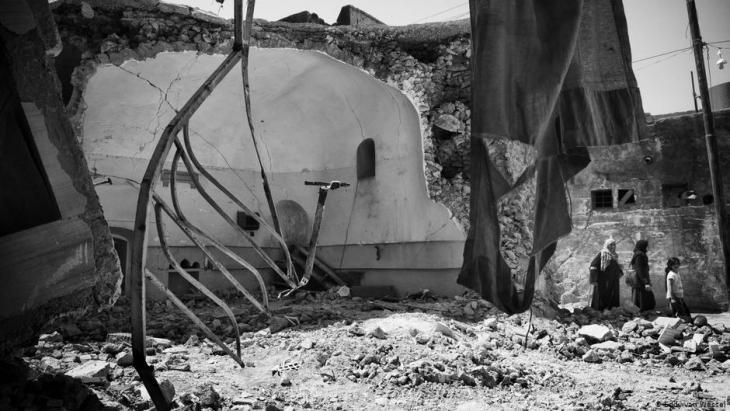 Zerstörte Gebäude in Mossul; Foto: Eddy van Wessel