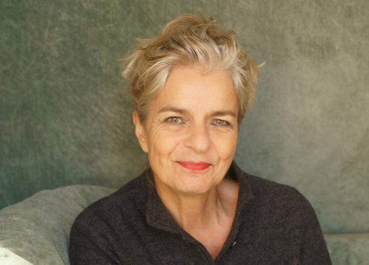 """Charlotte Wiedemann ist freie Autorin von Auslandsreportagen, Essays und Büchern, seit 2003 mit dem Schwerpunkt """"Islamische Lebenswelten"""". Foto: Anette Daugardt"""