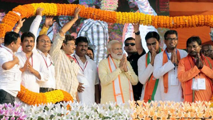 Narendra Modi während einer BJP-Wahlveranstaltung in Bengal, im April 2019; Foto: DW/Prabhakarmani Tewari